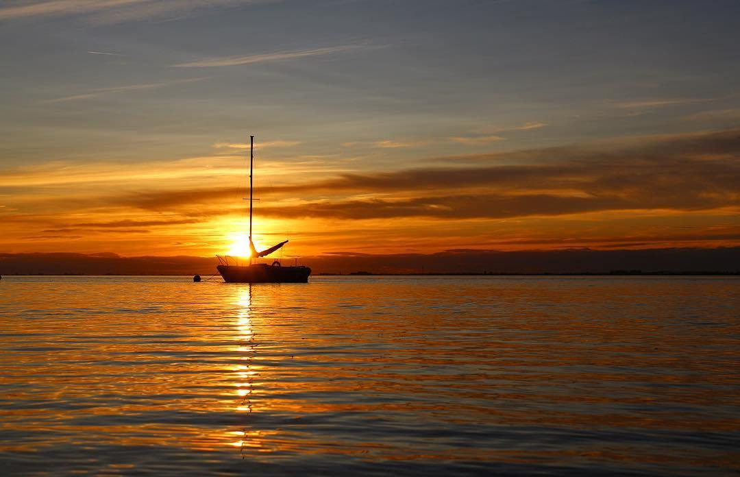 Crescent-Beach-Water-Sail-Boat-Silhouette-Cloud- Golden-Hour-Reflection-Sunset-Photo-Photography-Photographer-DOF-Canon-T5i-Rebel-EOS
