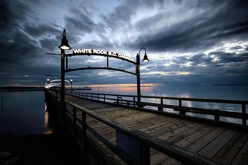 White-rock-britsh-columbia-canada-surrey-photography-photographer-photo-photograph-picture-pic-moody-pier-storm
